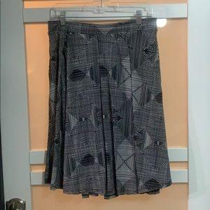 Navy and White Patterned LuLaRoe Skirt, Sz Large